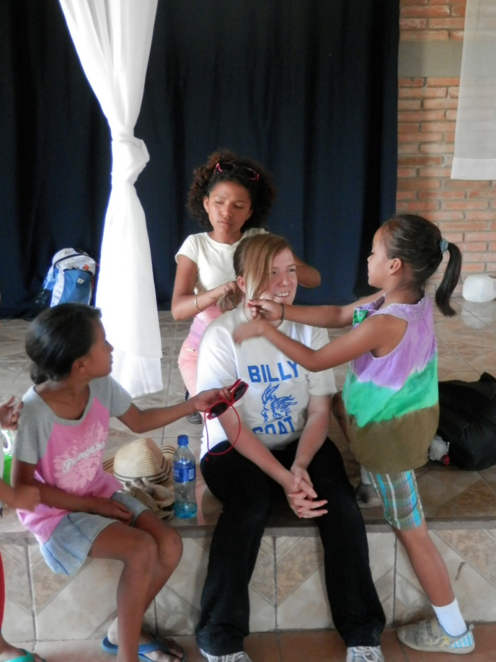 Styling hair in Nicaragua